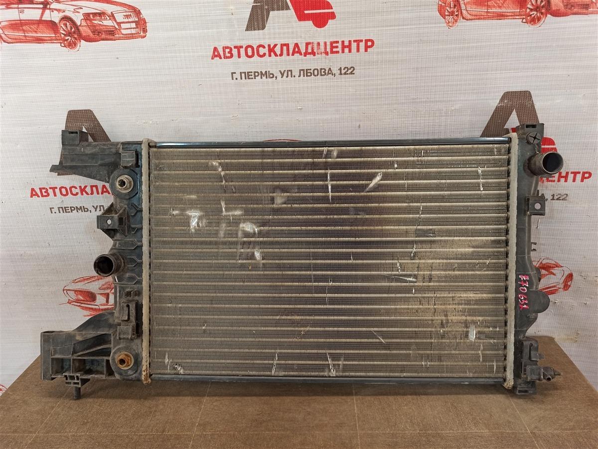 Радиатор охлаждения двигателя Chevrolet Cruze