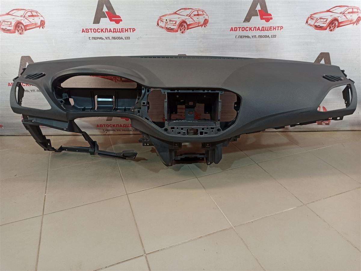 Торпедо - передняя панель салона Lada Vesta