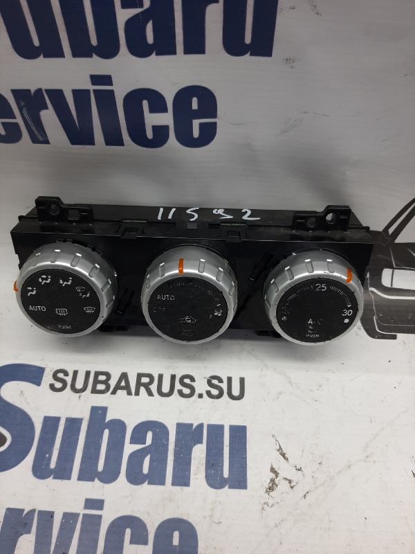 Блок управления климат-контролем Subaru Forester SG5 EJ205 2007