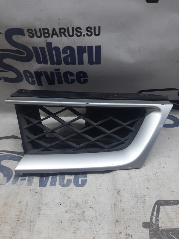 Решетка радиатора Subaru Impreza Wrx GGA EJ205 2007 передняя левая