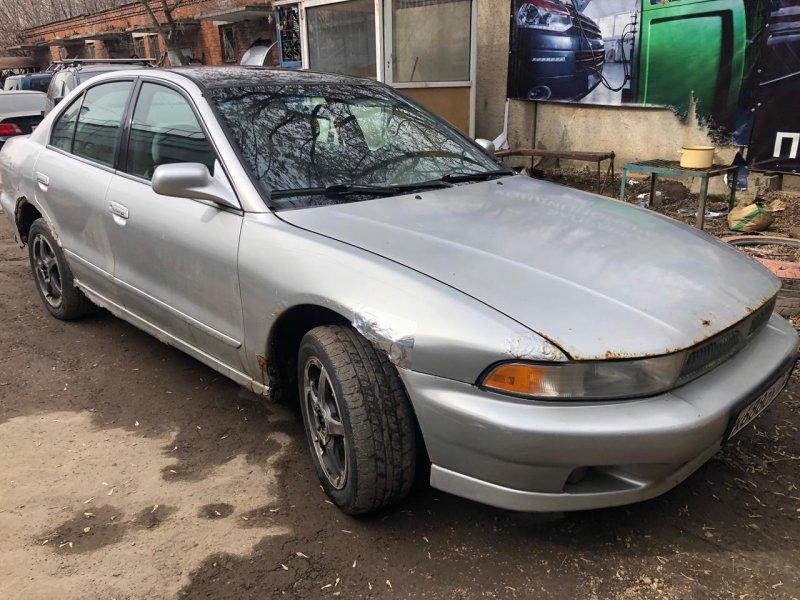 Mitsubishi GALANT 2001г.