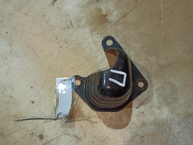 Усилитель бампера Nissan Qashqai J10 HR16DE 2007 задний правый (б/у)