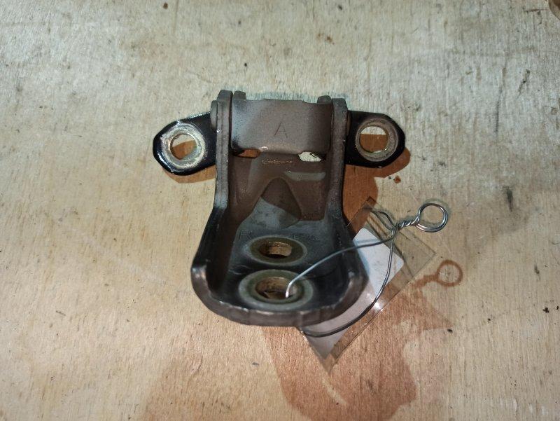 Петля двери Nissan Qashqai J10 HR16DE 2007 (б/у)