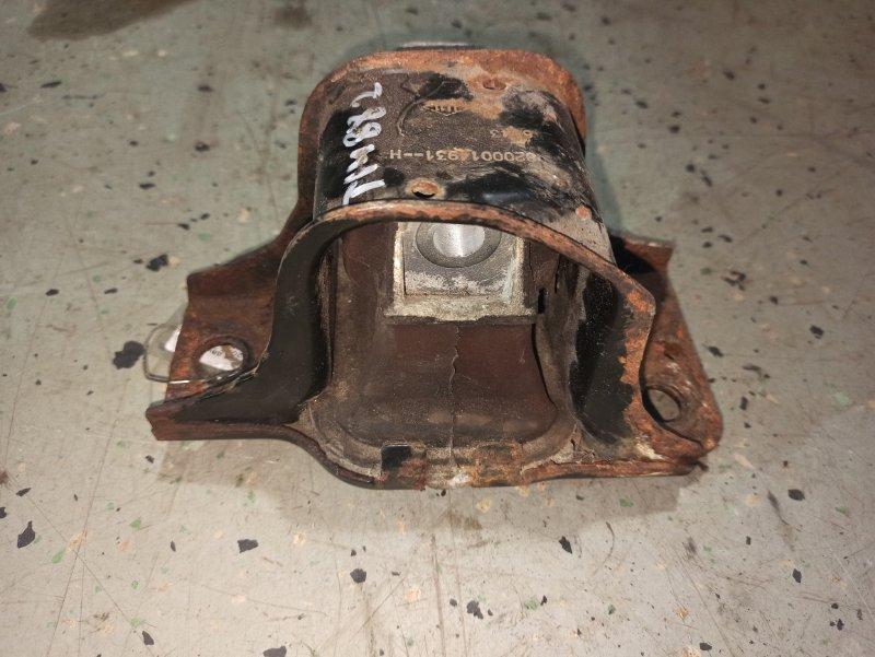 Подушка двигателя (опора) Nissan Qashqai J10 HR16DE 2007 передняя правая (б/у)