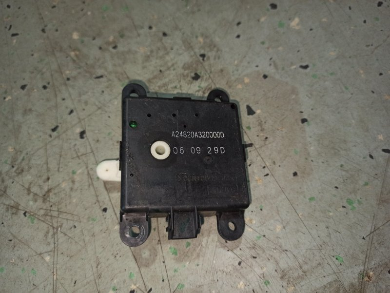 Моторчик заслонки отопителя Nissan Qashqai J10 HR16DE 2007 (б/у)
