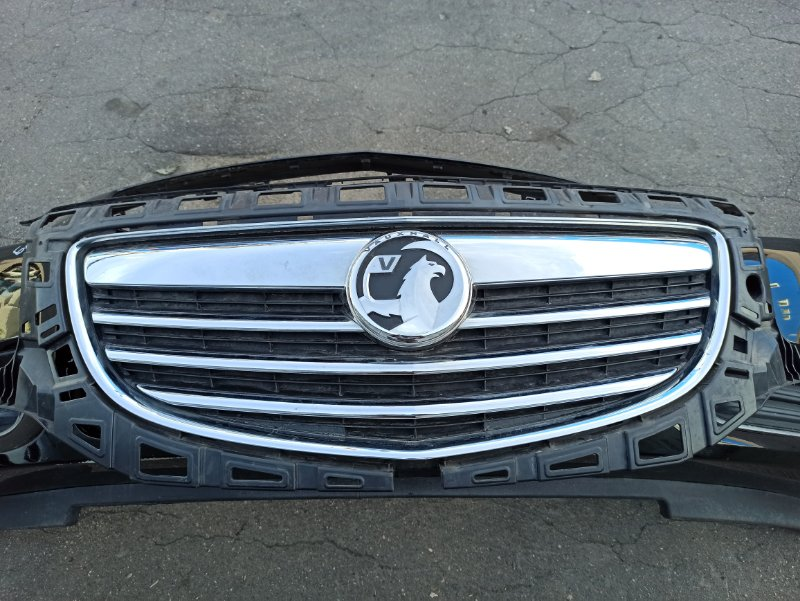 Решетка радиатора Opel Insignia ХЭТЧБЕК A18XER 2009 (б/у)