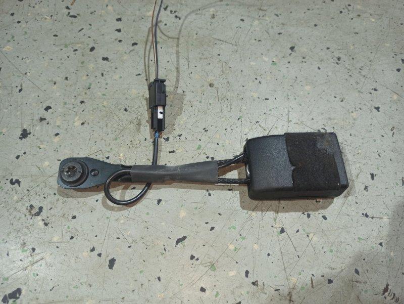 Замок ремня безопасности Opel Insignia ХЭТЧБЕК A18XER 2012 передний правый (б/у)