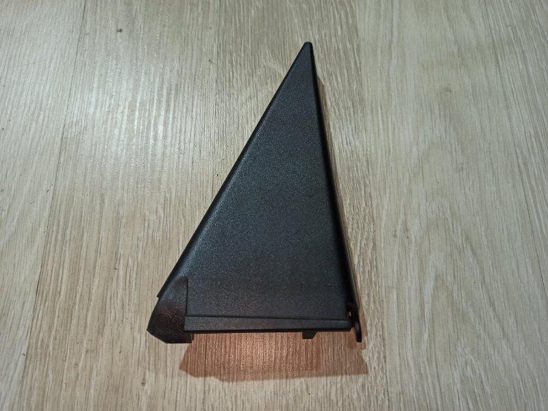 Треугольник задней двери Nissan Primera P12 УНИВЕРСАЛ QG18DE 2004 задний левый (б/у)