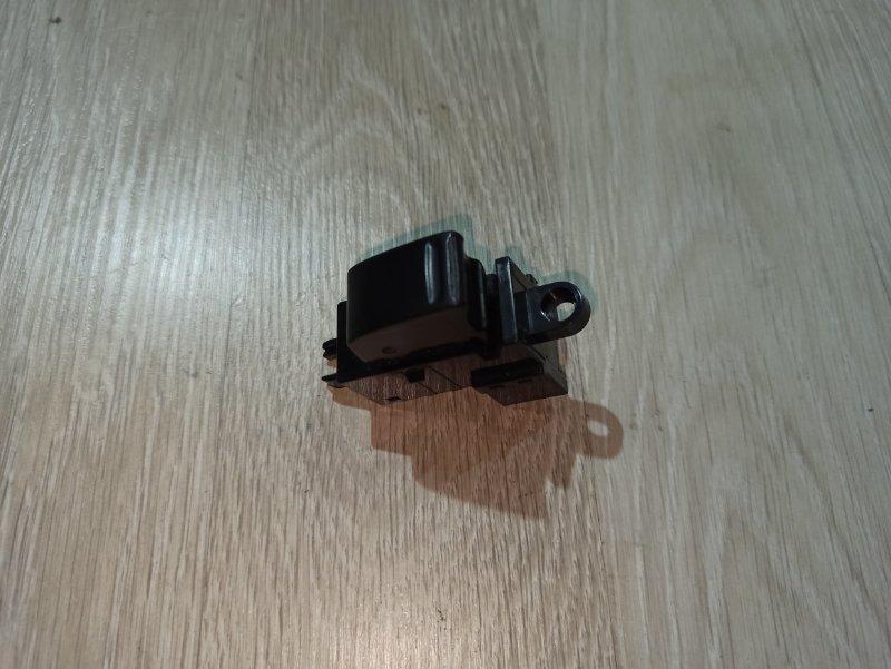 Кнопка стеклоподъёмника Nissan Primera P12 УНИВЕРСАЛ QG18DE 2004 (б/у)