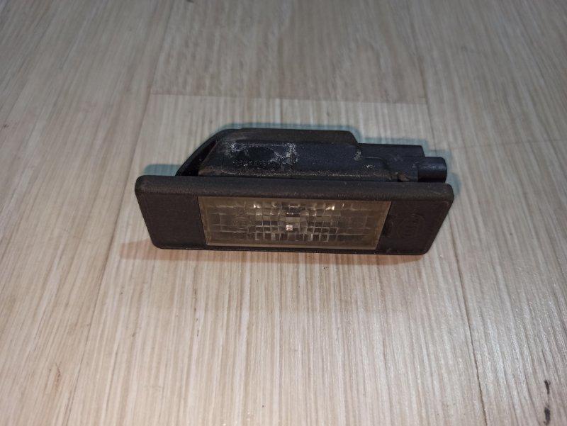 Фонарь подсветки номера Nissan Primera P12 ЛИФТБЕК QG18DE 2005 задний (б/у)