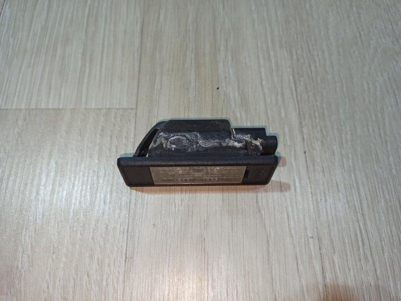 Фонарь подсветки номера Nissan Primera P12 ЛИФТБЕК QG18DE 2006 задний (б/у)