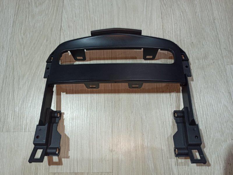 Пластик центральной консоли Nissan Primera P12 ЛИФТБЕК QG18DE 2006 (б/у)