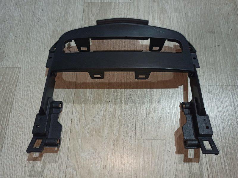 Пластик центральной консоли Nissan Primera P12 ЛИФТБЕК QG18DE (б/у)