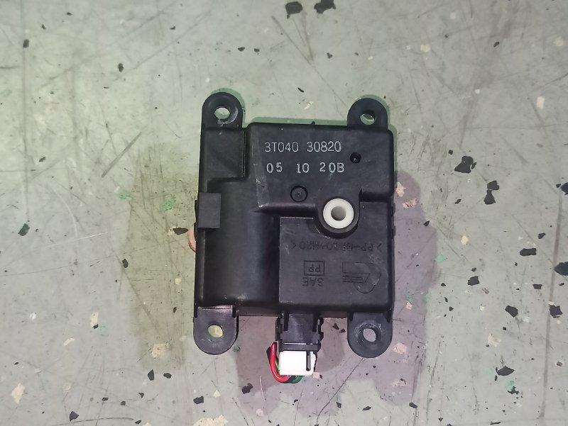 Моторчик заслонки отопителя Nissan Primera P12 ЛИФТБЕК QG18DE (б/у)