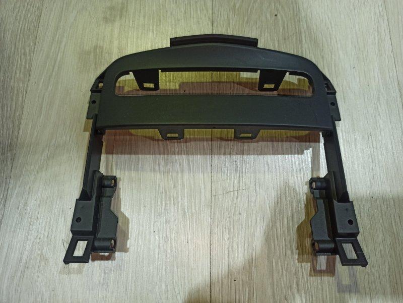 Рамка магнитолы Nissan Primera P12 ЛИФТБЕК QG18DE (б/у)