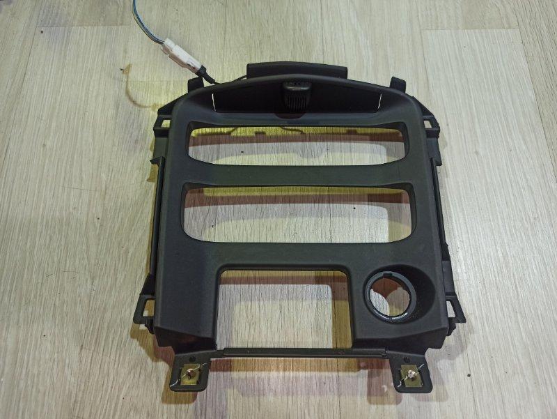 Рамка магнитолы Nissan Primera P12 ЛИФТБЕК QG18DE 2004 (б/у)