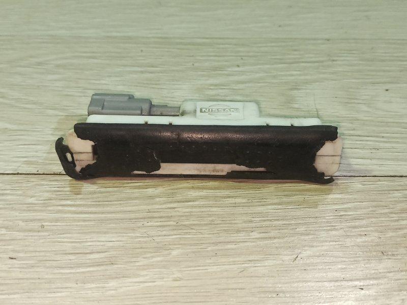 Кнопки прочие Nissan Primera P12 СЕДАН QR20DE задние (б/у)