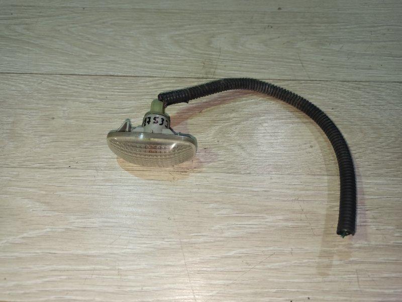 Поворотник в крыле Nissan Primera P12 ЛИФТБЕК QG18DE (б/у)