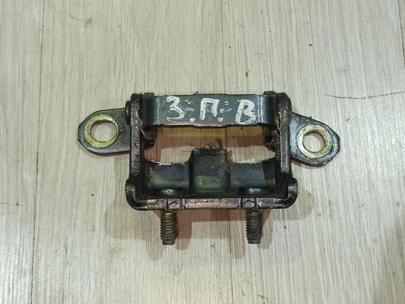Петля двери Nissan Primera P12 СЕДАН QR20DE задняя правая (б/у)