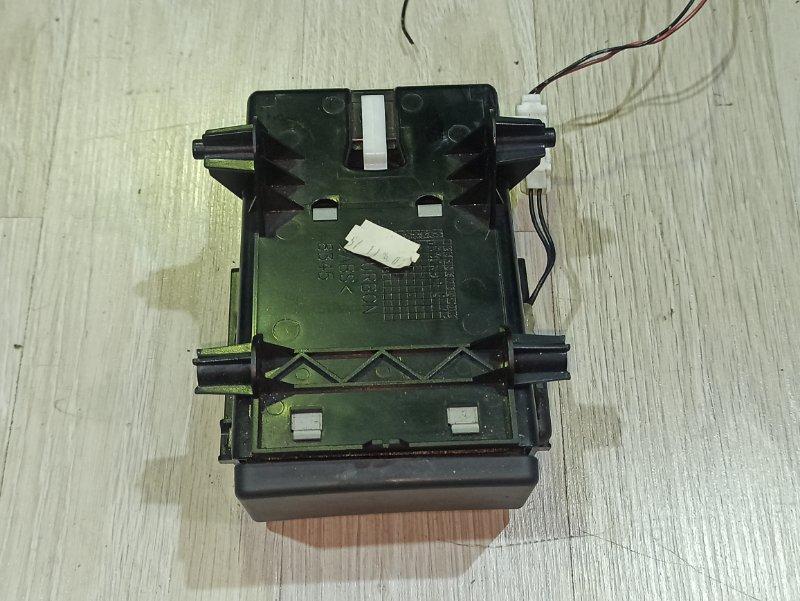 Прикуриватель Nissan Primera P12 ЛИФТБЕК QG18DE (б/у)