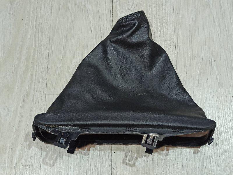Чехол ручника Nissan Primera P12 ЛИФТБЕК QG18DE 2004 (б/у)