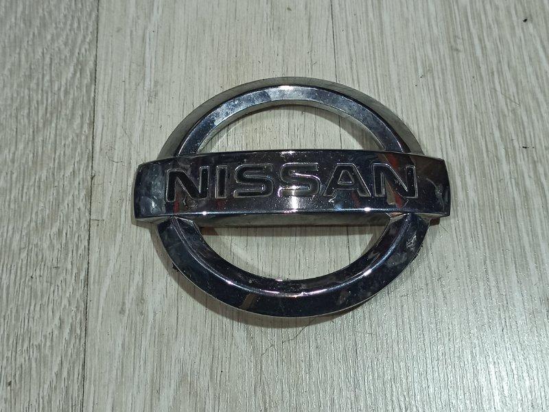 Эмблема Nissan Primera P12 СЕДАН QR20DE передняя (б/у)