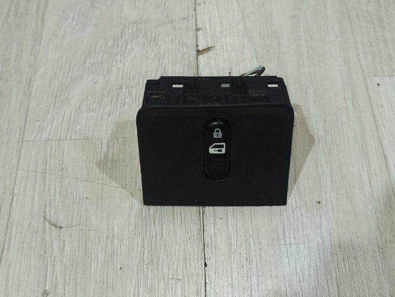 Кнопки прочие Nissan Primera P12 ЛИФТБЕК QG18DE 200? (б/у)