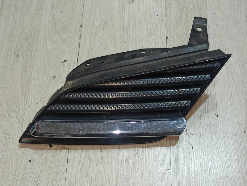 Решетка радиатора Nissan Primera P12 ЛИФТБЕК QG18DE 2003 левая (б/у)