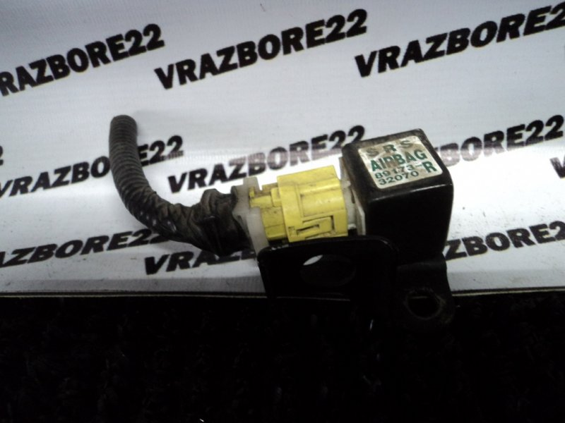 Датчик srs Toyota Vista Ardeo ZZV50-0028389 1ZZ-FE 2001 передний правый