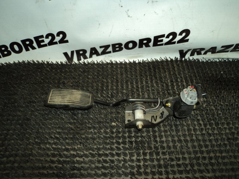 Педаль газа Nissan Bluebird Sylphy TG10-000793 QR20DD 2000
