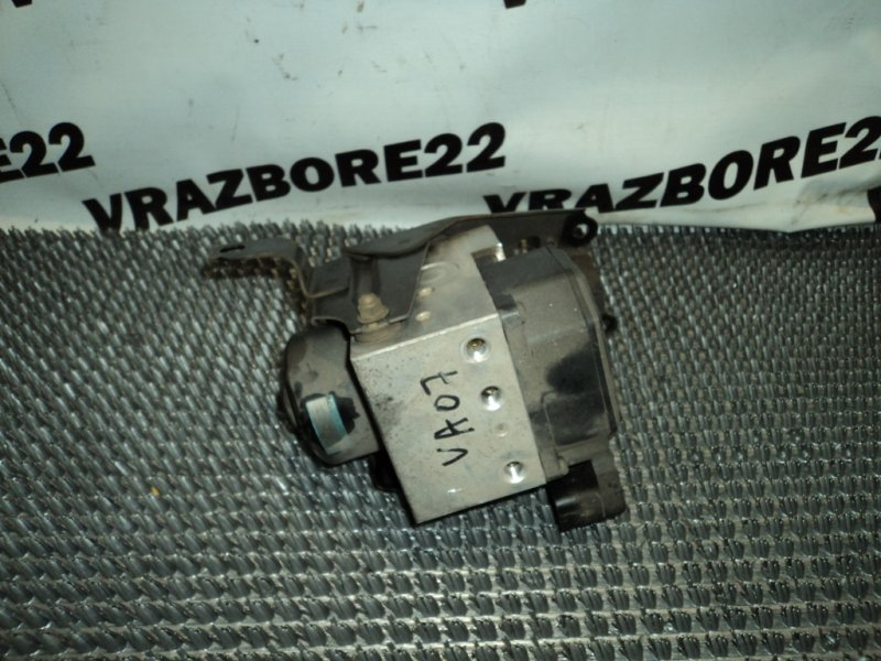 Блок abs Toyota Vista Ardeo SV50-0042589 3S-FSE 1999