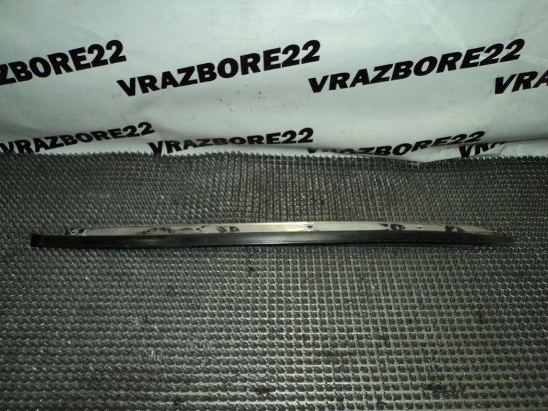 Молдинг лобового стекла Nissan Bluebird Sylphy QG10 QG18DE левый