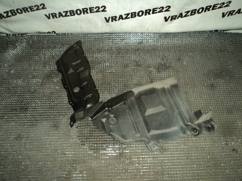 Защита двигателя Nissan Bluebird Sylphy TG10-004701 QR20DD 2001 левая