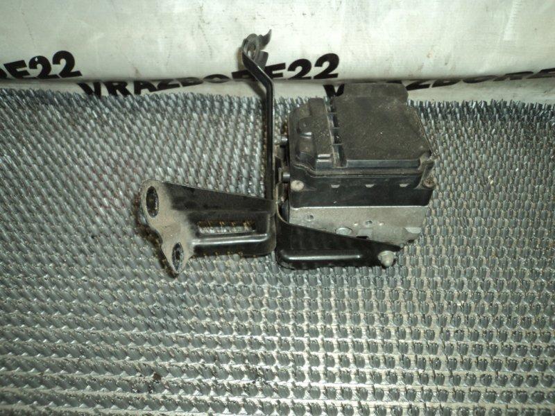 Блок abs Toyota Camry ACV30-3026477 2AZ-FE 2005