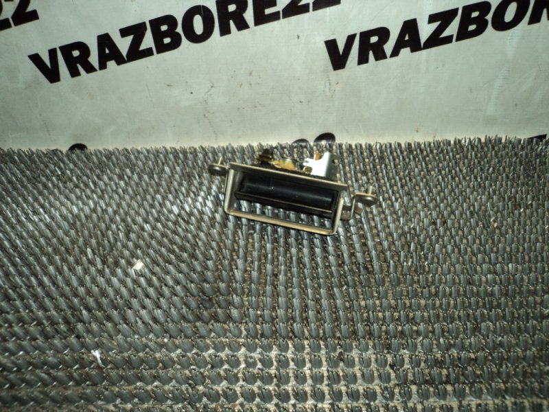 Ручка открывания багажника Toyota Vista Ardeo SV50-0052402 3S-FSE 2000