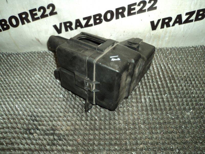 Блок предохранителей Toyota Rav4 ACA21-0159861 1AZ-FSE 2002