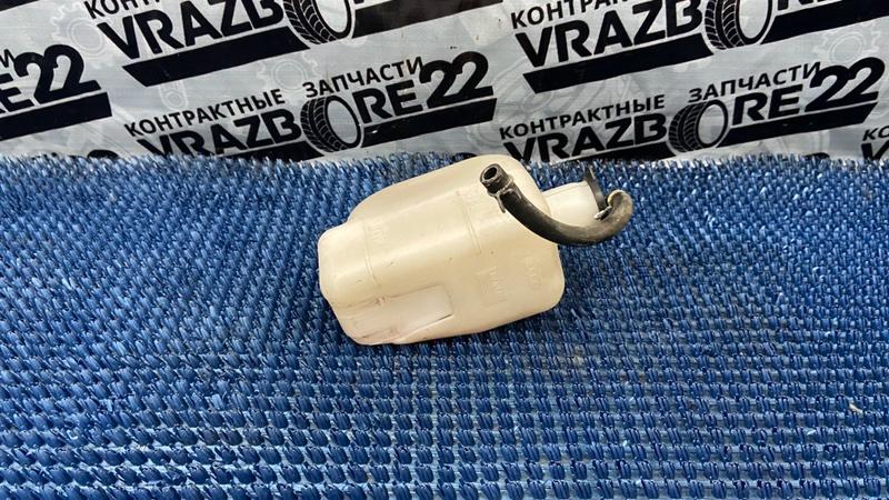 Бачок расширительный Toyota Vista ZZV50-0025187 1ZZ-FE 2000