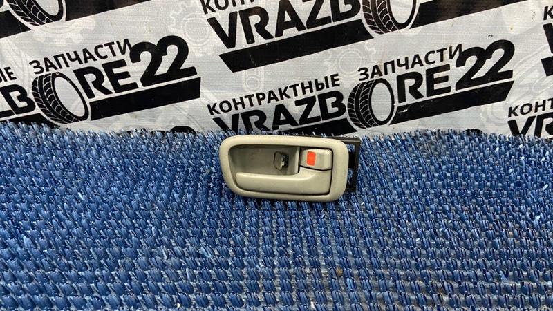Ручка двери внутренняя Toyota Vista Ardeo SV50-0001309 3S-FSE 1998 задняя правая