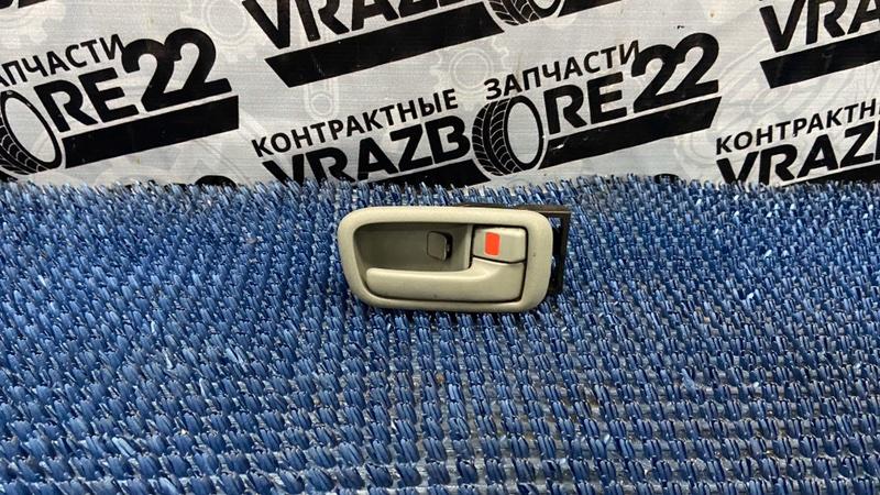 Ручка двери внутренняя Toyota Vista Ardeo SV50-0001309 3S-FSE 1998 передняя правая
