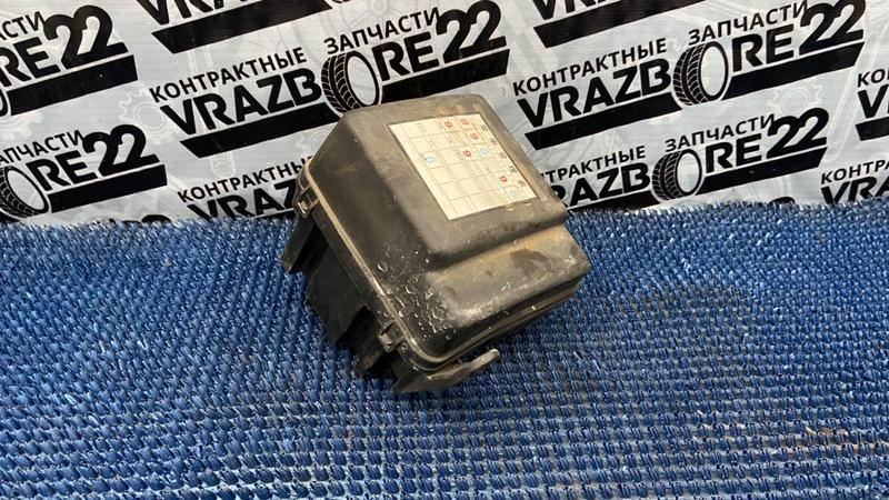 Блок предохранителей Toyota Vista Ardeo SV50-0001309 3S-FSE 1998