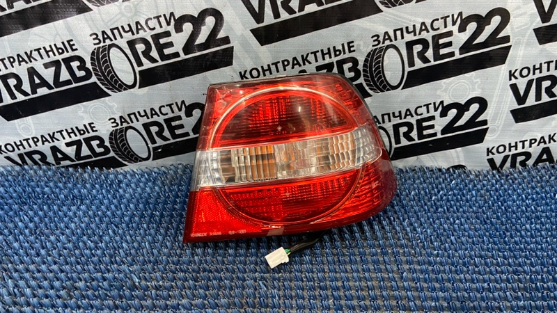 Фонарь Toyota Vista SV50-0019807 3S-FSE 1999 задний правый
