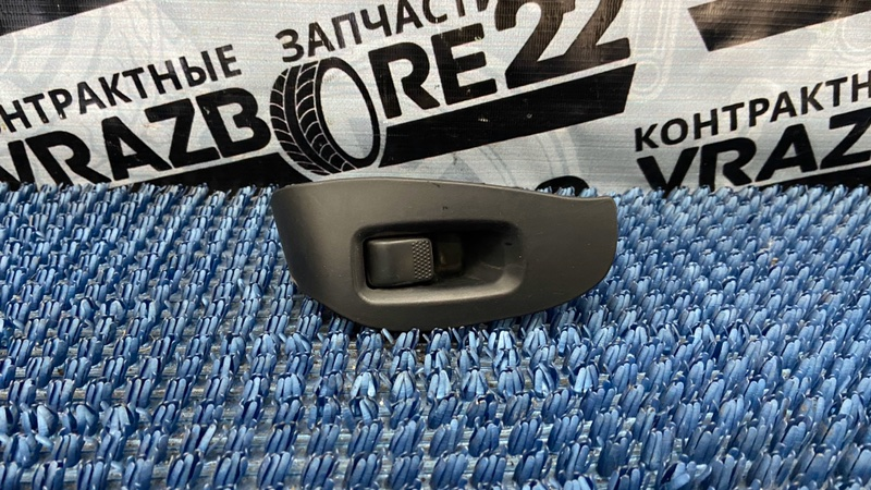 Блок управления стеклоподъемниками Subaru Legacy B4 BE5-109930 EJ206 2001 передний левый