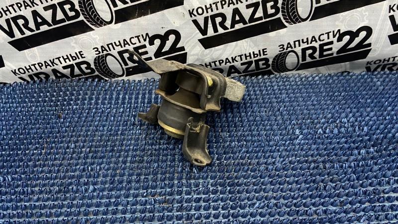 Подушка двигателя Toyota Corolla NZE121-3009477 1NZ-FE 2000 правая