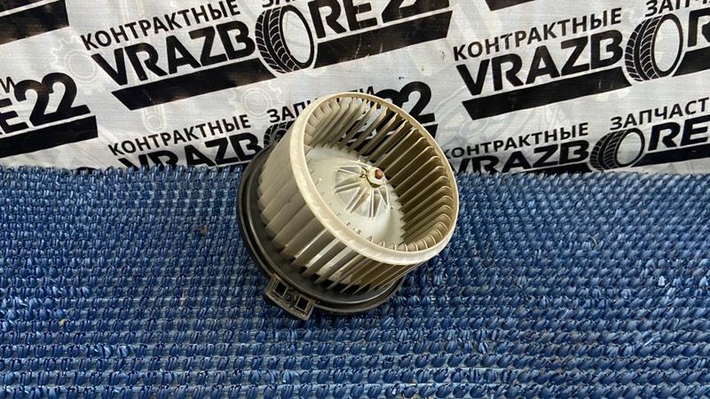 Мотор печки Toyota Corolla NZE121-3009477 1NZ-FE 2000