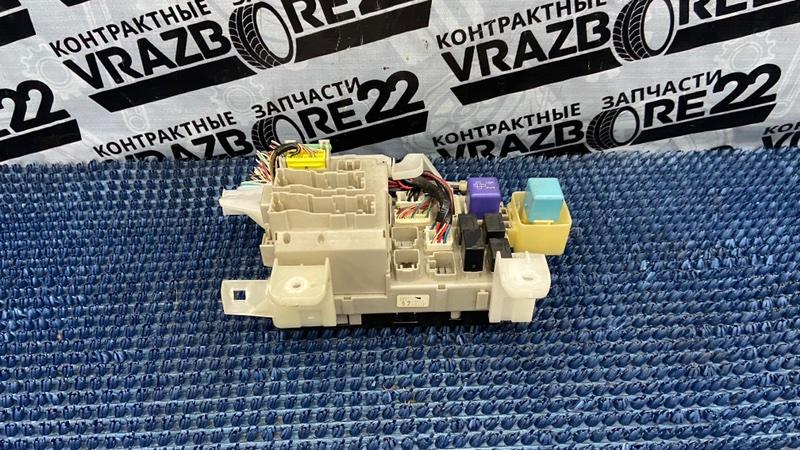 Блок предохранителей Toyota Corolla NZE121-3009477 1NZ-FE 2000