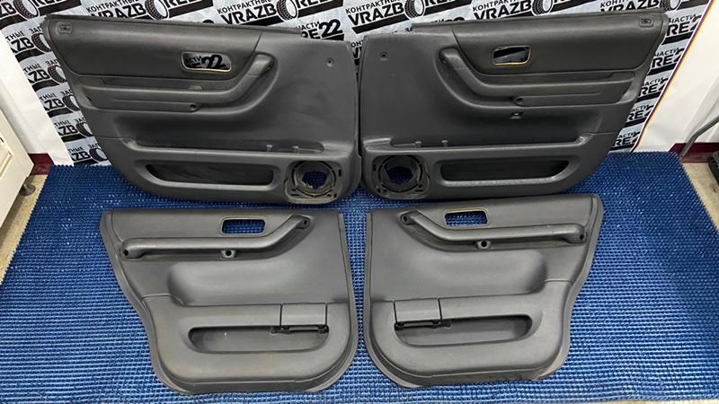 Обшивки дверей Honda Cr-V RD1-5216674 B20B 1999