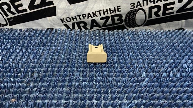 Заглушка панели Toyota Ipsum ACM21-5070764 2AZ-FE 2003