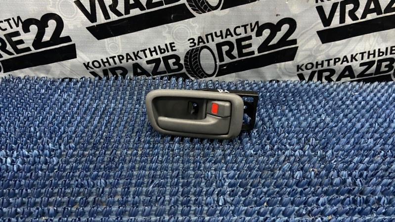 Ручка двери внутренняя Toyota Rav4 ACA21-0159861 1AZ-FSE 2002 задняя правая
