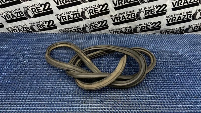 Уплотнитель багажника Toyota Vista Ardeo ZZV50-0047060 1ZZ-FE 2001
