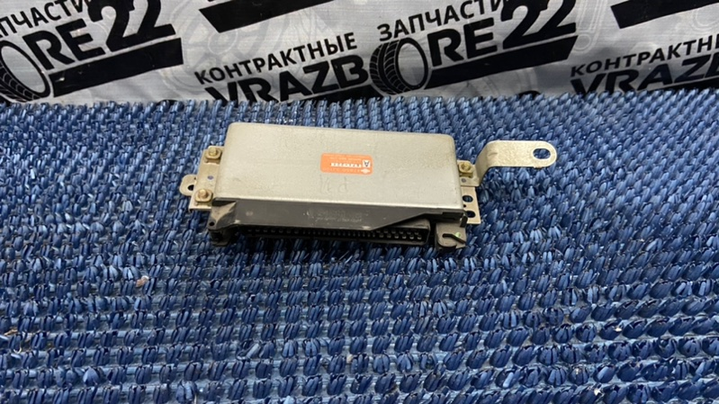 Блок электронный Nissan Primera P11 1996